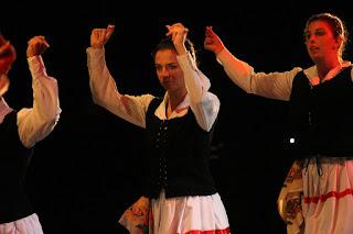 Exhibición de danzas de Ibarra-Kaldu, Erreka-Ortu y Laguntasuna