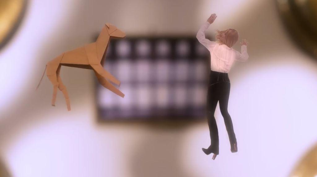 modella pubblicita trussardi borse lovy bag bionda testimonial spot 2016