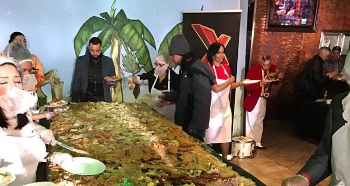 """Dominicanos en Nueva York establecen récord Guinnes con el """"mangú más grande del mundo"""""""