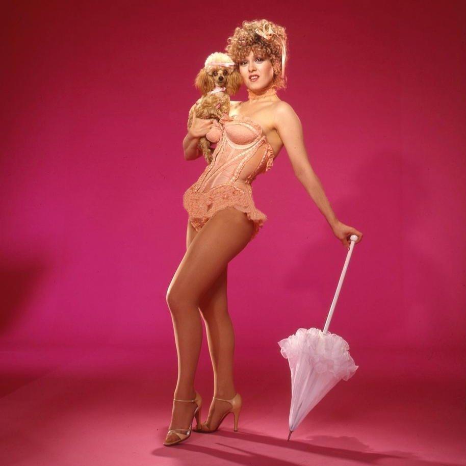Carmen bella shows ass
