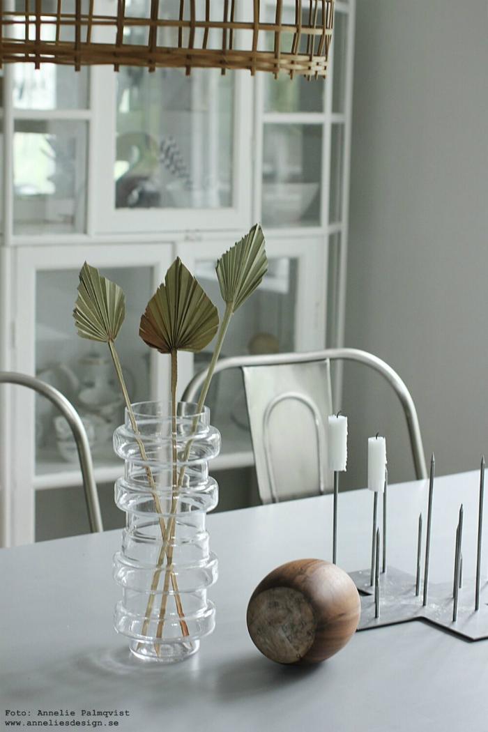 annelies design, webbutik, palm, palmer, palmblad, naturväxter, naturblommor, torkade växter, kök, köket, vas, vako, ljusstake, candle cross, inredning, glasunderlägg, underlägg, kors, marmor, dekoration