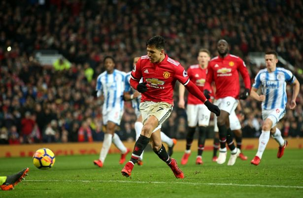 Manchester United cut Man City's lead at the top in the premier league table