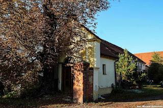 Pełcznica gm. Kąty Wrocławskie, kapliczka domkowa z I poł. XIX
