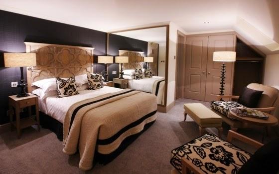 habitación marrón beige
