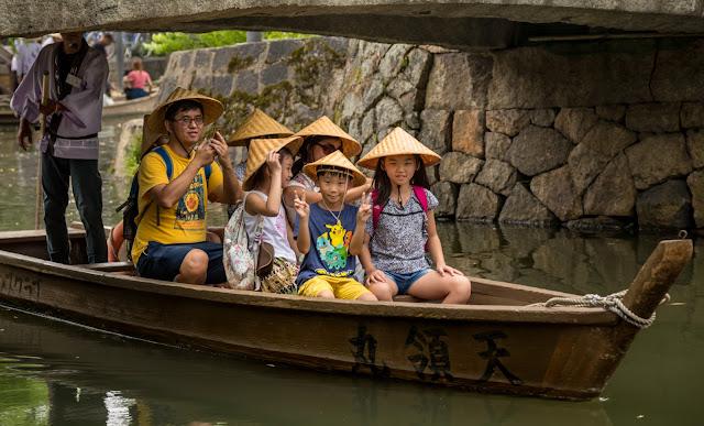 Turistas en los canales :: Canon EOS5D MkIII   ISO100   Canon 24-105@105mm   f/5.6   1/50s
