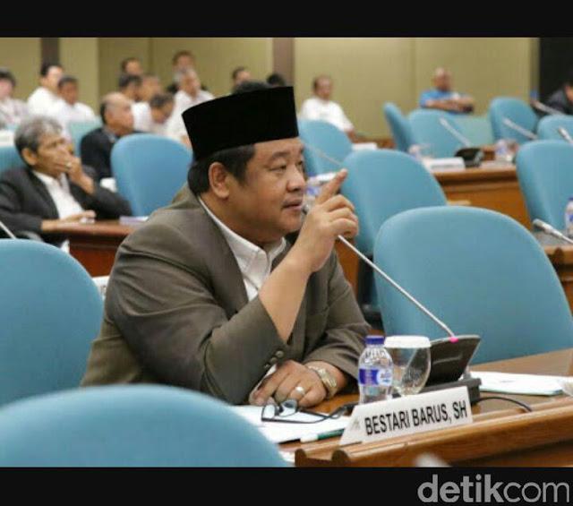 DPRD DKI Meradang Lantaran Anies Izinkan Amien Rais Ceramah Tunjuk Tunjuk Foto Presiden Di Balaikota,