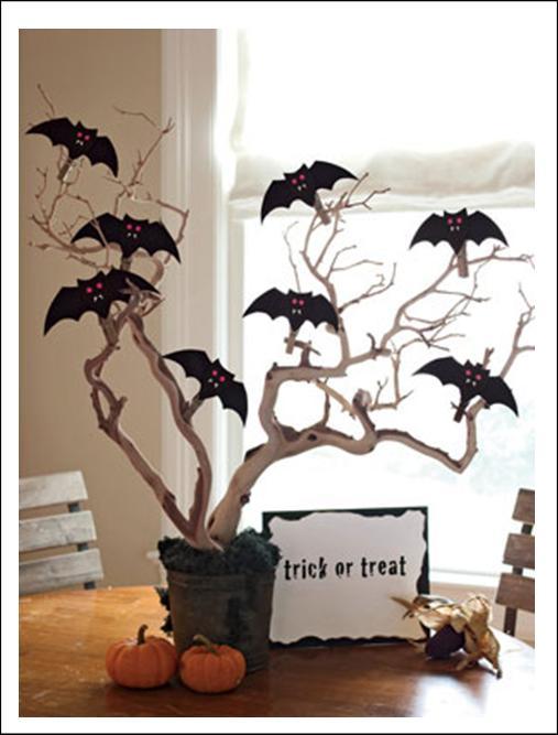 It's Written on the Wall: Halloween Decor Bat Garland ...