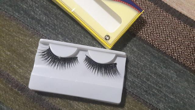 pair of eye lashes