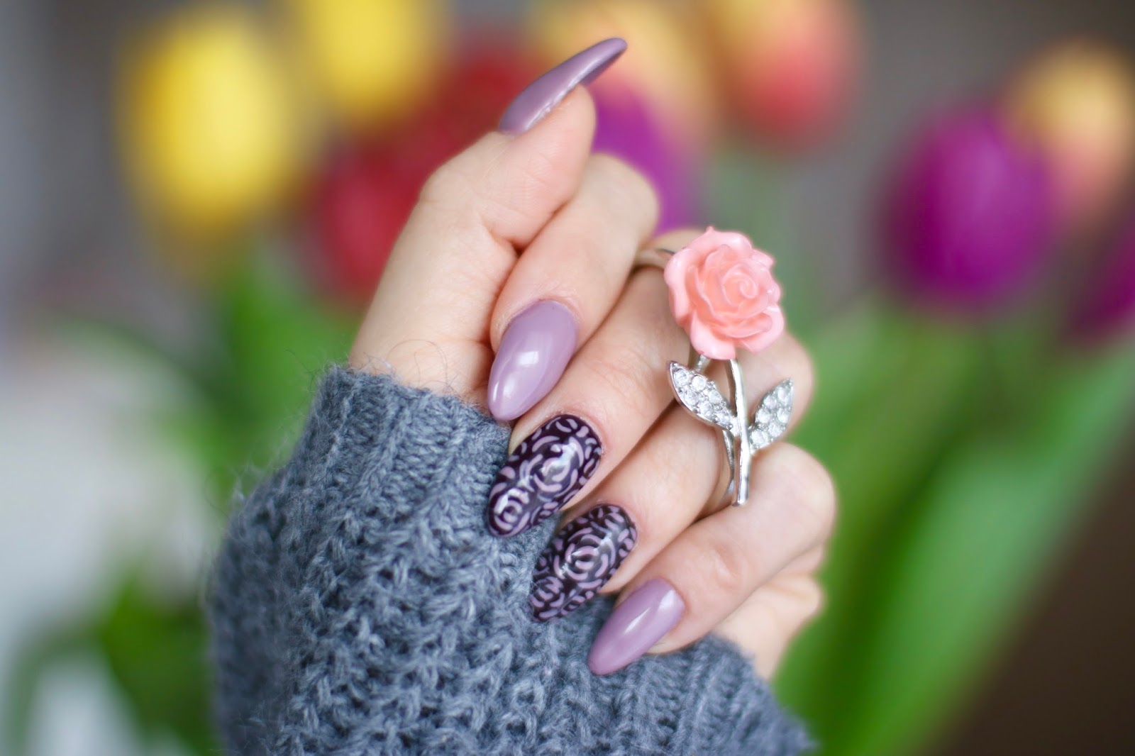 Spring Nude Evening Nails - Liliowe różyczki