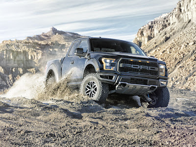 Turn to the 2017 Raptor F-150 for Off-Road Excellence