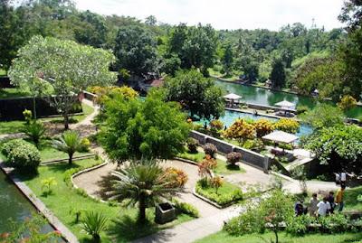 keindahan dan sejuknya suasana taman narmada lombok