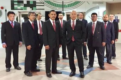 Universiti Malaya's engineering faculty management team
