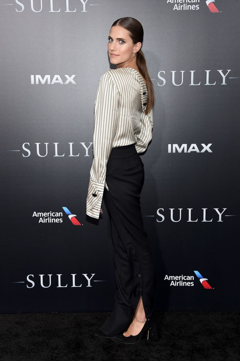 HQ Photos of Allison Williams at Sully New York Premiere