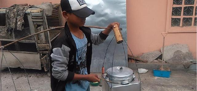 Kisah Agus, Bocah Penjual Bakso Keliling yang Rela Putus Sekolah Demi Menyambung Hidup