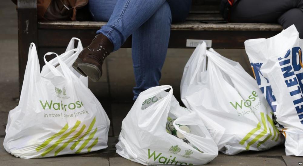 Mengurangi Penggunaan Plastik