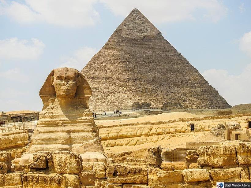 Esfinge no Complexo de Gizé - Pirâmides do Egito por dentro
