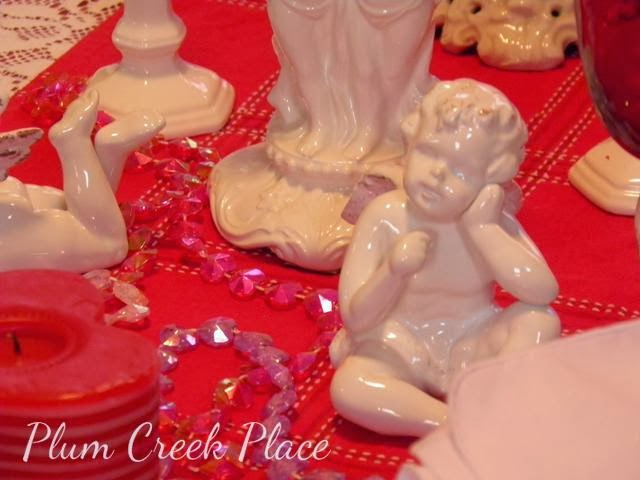 Valentines Day tablescape, cherubs red and white