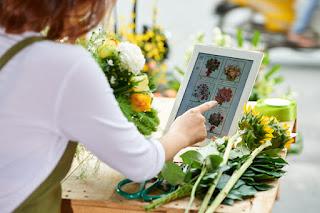Opening online flower shop Hanoi