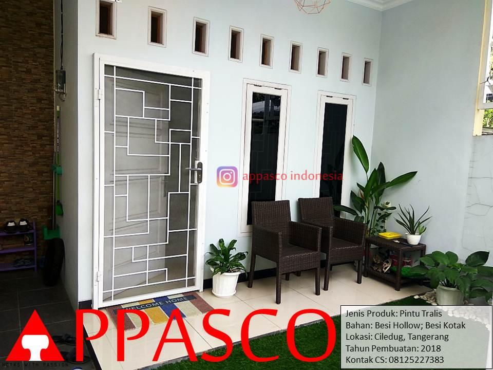Pintu Besi Teralis Minimalis Rumah ShabbyChic di Ciledug Tangerang