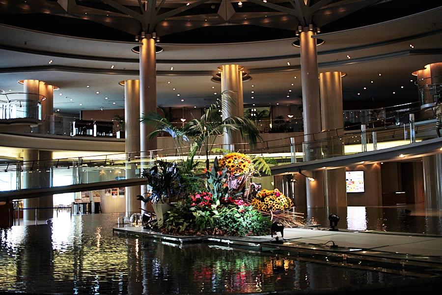 flower hotel lobby