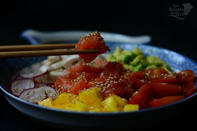 Poke con trucha, mango y vegetales tererecetas 01