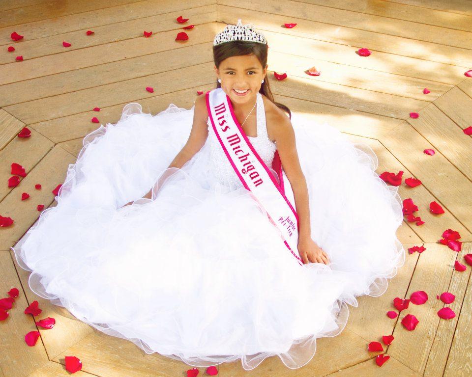 Meet The 2012 2013 National American Miss Jr Preteen Selia