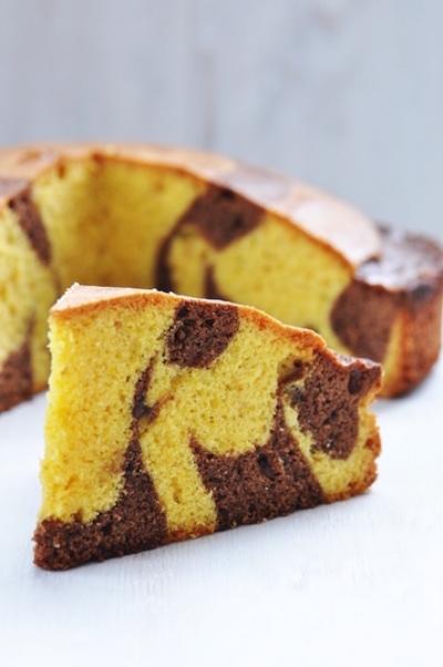 http://paneperituoidenti.it/candele-e-la-torta-screziata-con-cacao-e-nocciole/