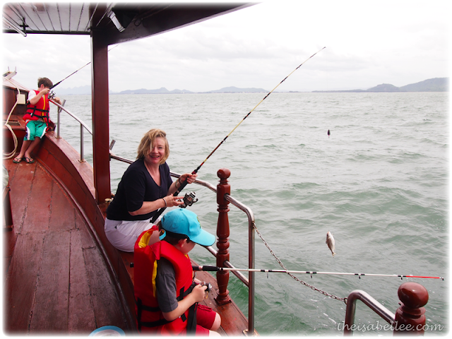 Family fishing in Hua Hin