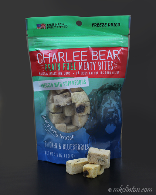 Charlee Bear Grain Free Meaty Bites Chicken & Blueberries