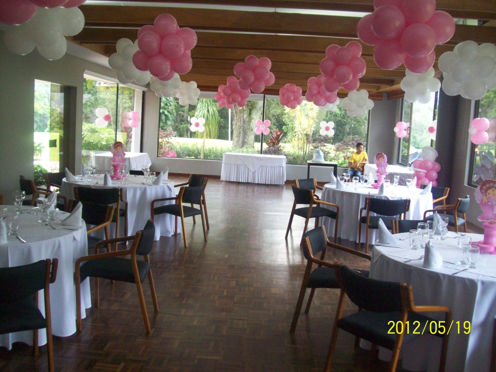 Decoracion primera comunion con globos 1 recreacionistas for Ver decoraciones