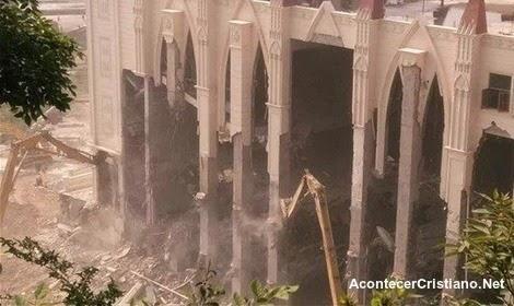 Autoridades chinas destruyen iglesia cristiana