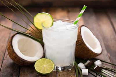A água de coco é uma bebida super saudável