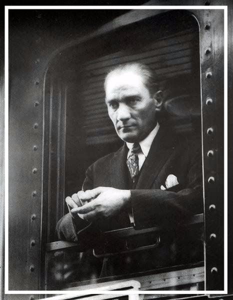 19 Mayis 1919 - Ataturk'u Anma, Genclik ve Spor Bayrami