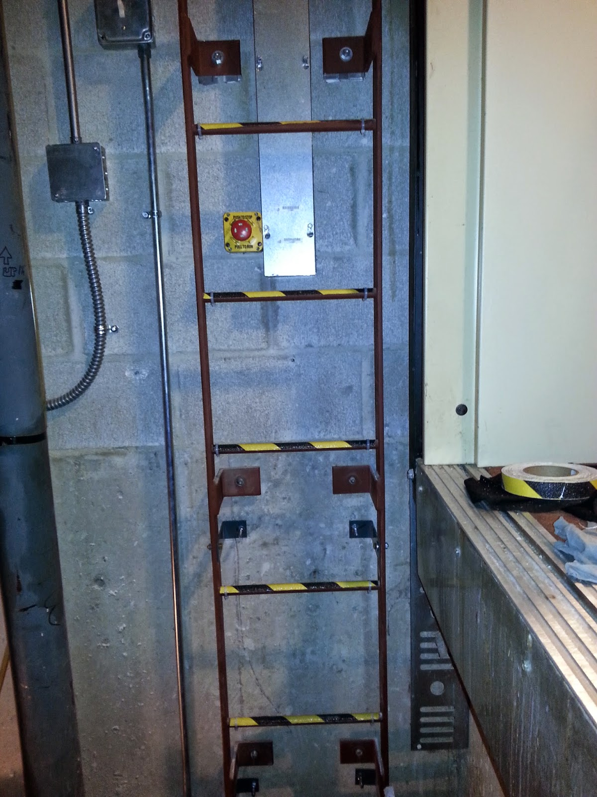 Csm Dacheinstiegsluke B E F together with Logo D Da C F Bd C Dfda B Grande additionally Pl Bpic B besides Fa Daf Fe Edce Fa Bbdcfa together with Bladder Bcode Bpage B. on elevator pit ladder