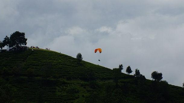 Bukit Gantole Paralayang Puncak