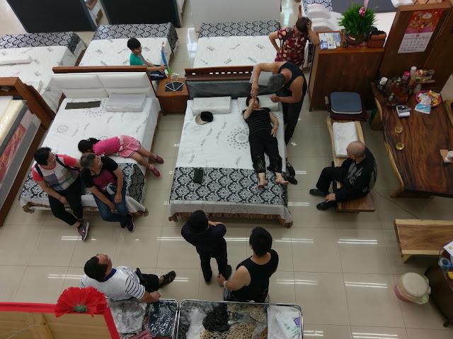 工廠直營自銷、全透明化製床過程安心有保障,如何挑選一張好床,請來床枕e專家 _平鎮門市!