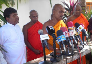Wijeyadasa meets with Sumanarathna Thera