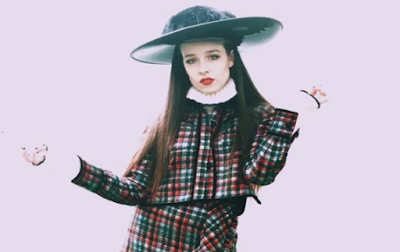 """Lirik Lagu Allie X - Downtown"""