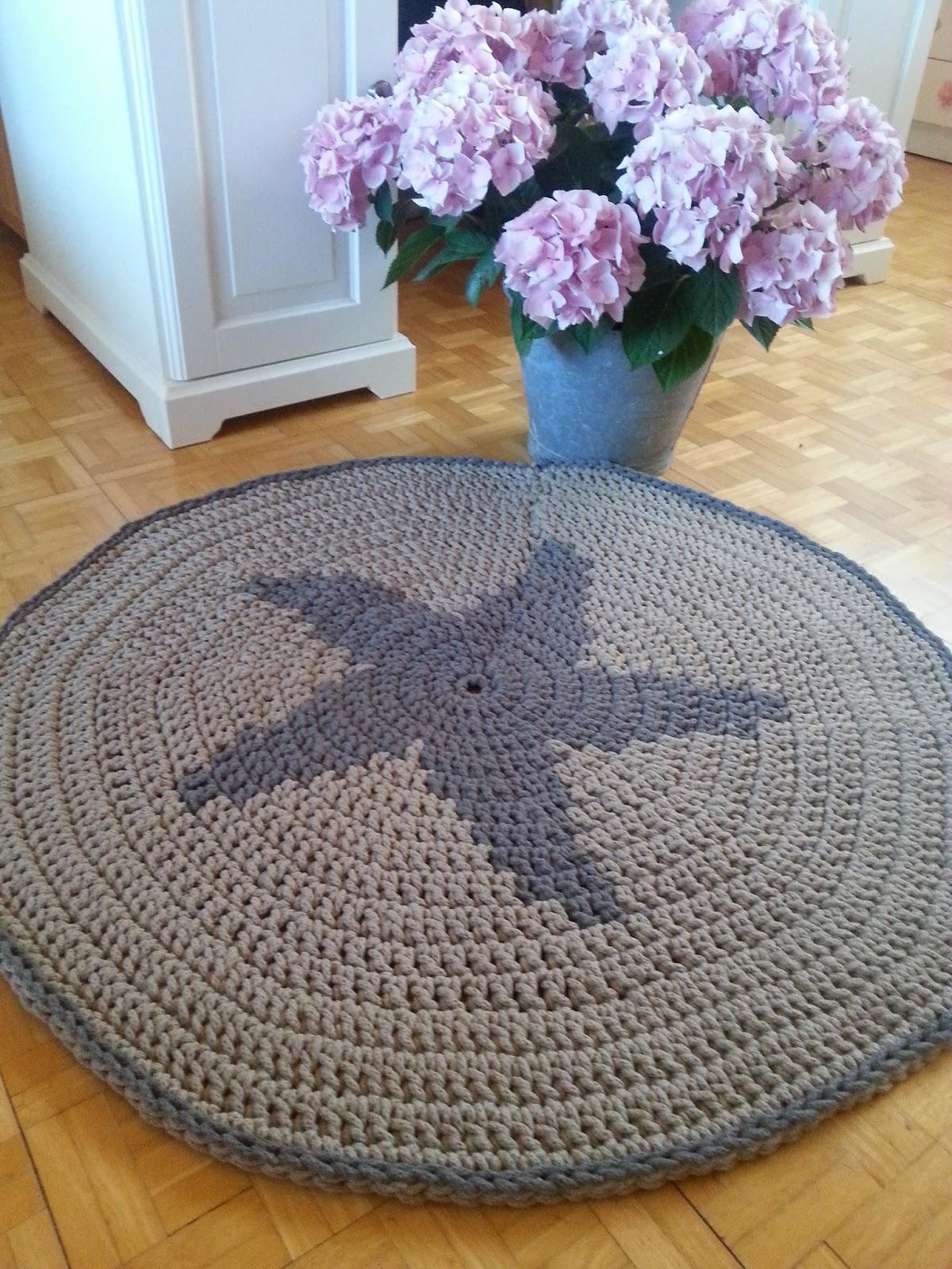 Entre telas una alfombra con estrella for Alfombra costo