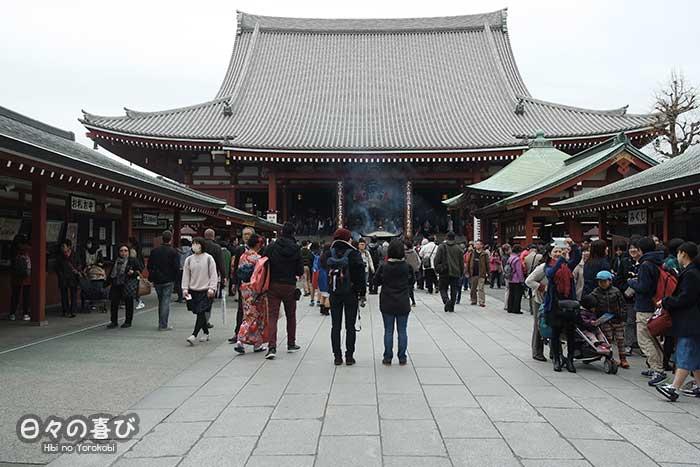 foule entree temple senso ji asakusa
