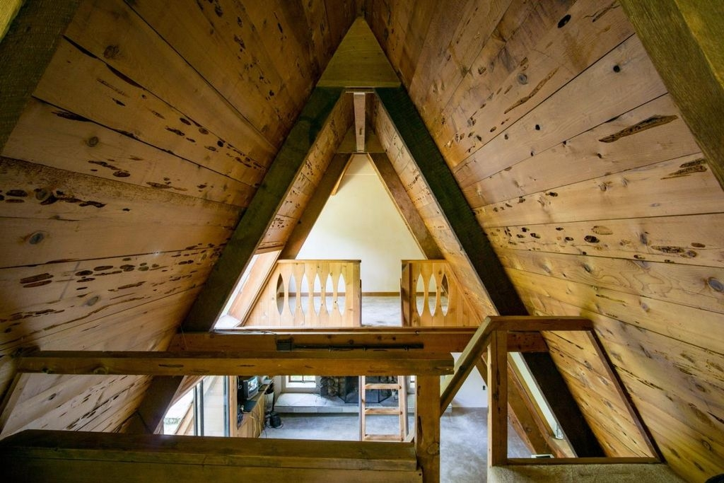 05-Architecture-with-the-Tiny-A-Frame-House-www-designstack-co