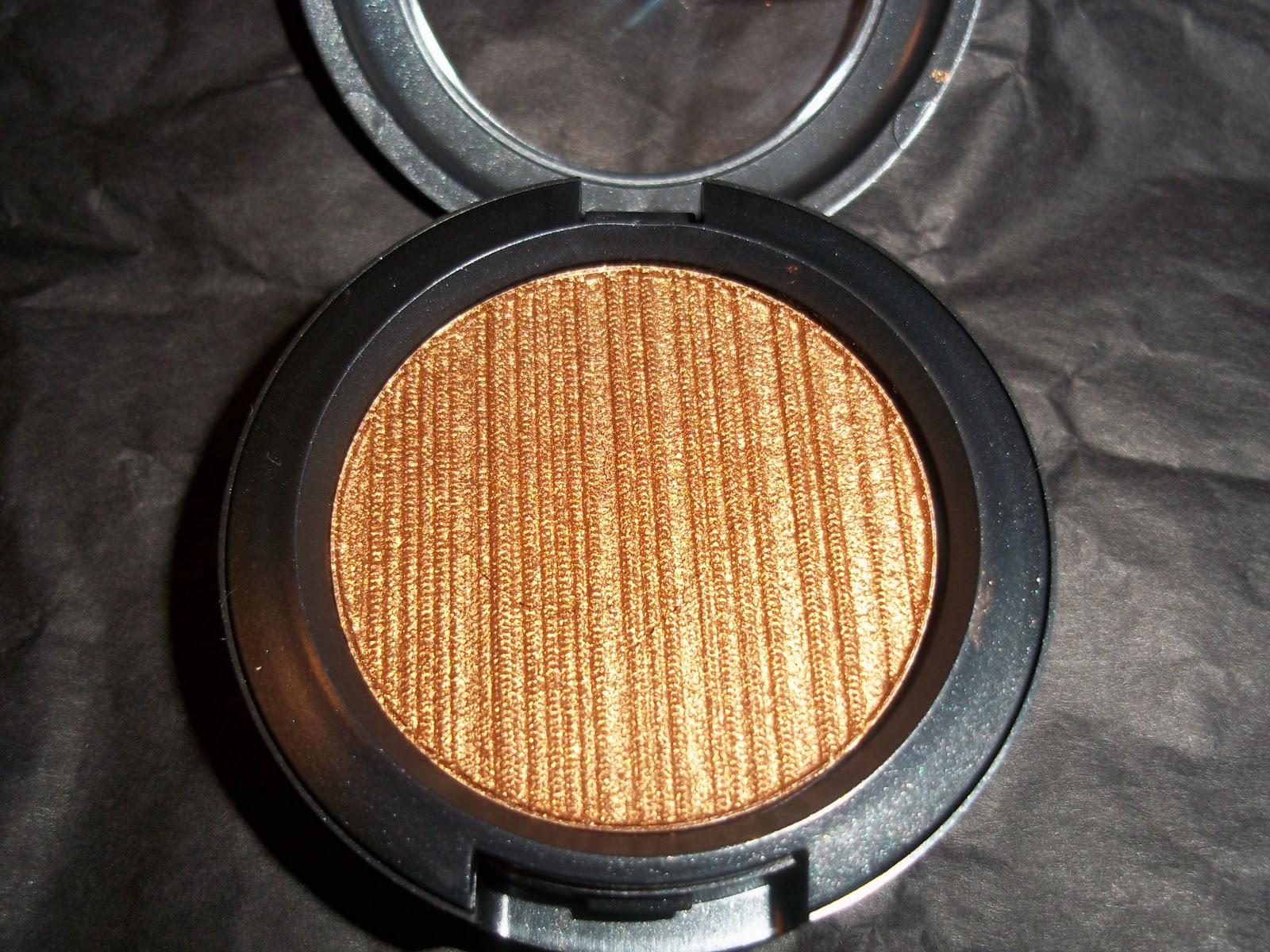 Review: MAC Venetian Tarnish Metal-X-Cream Shadow - Beauty & The