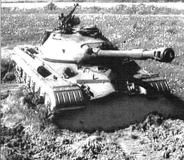 Танк Т-10А на войсковых учениях