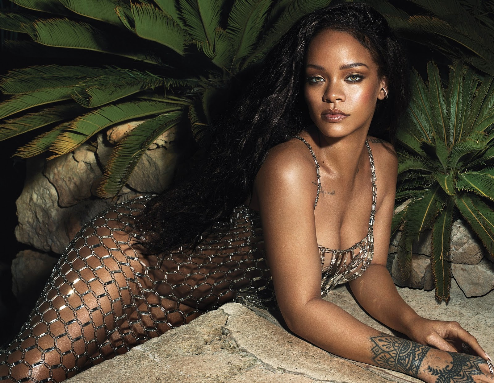 Rihanna Vogue US June 2018 photos