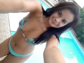 Morena rabuda gostosa mandou nudes pro grupo de putaria e ficou famosa