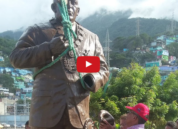 Nueva estatua de 3.5 metros de Chavez