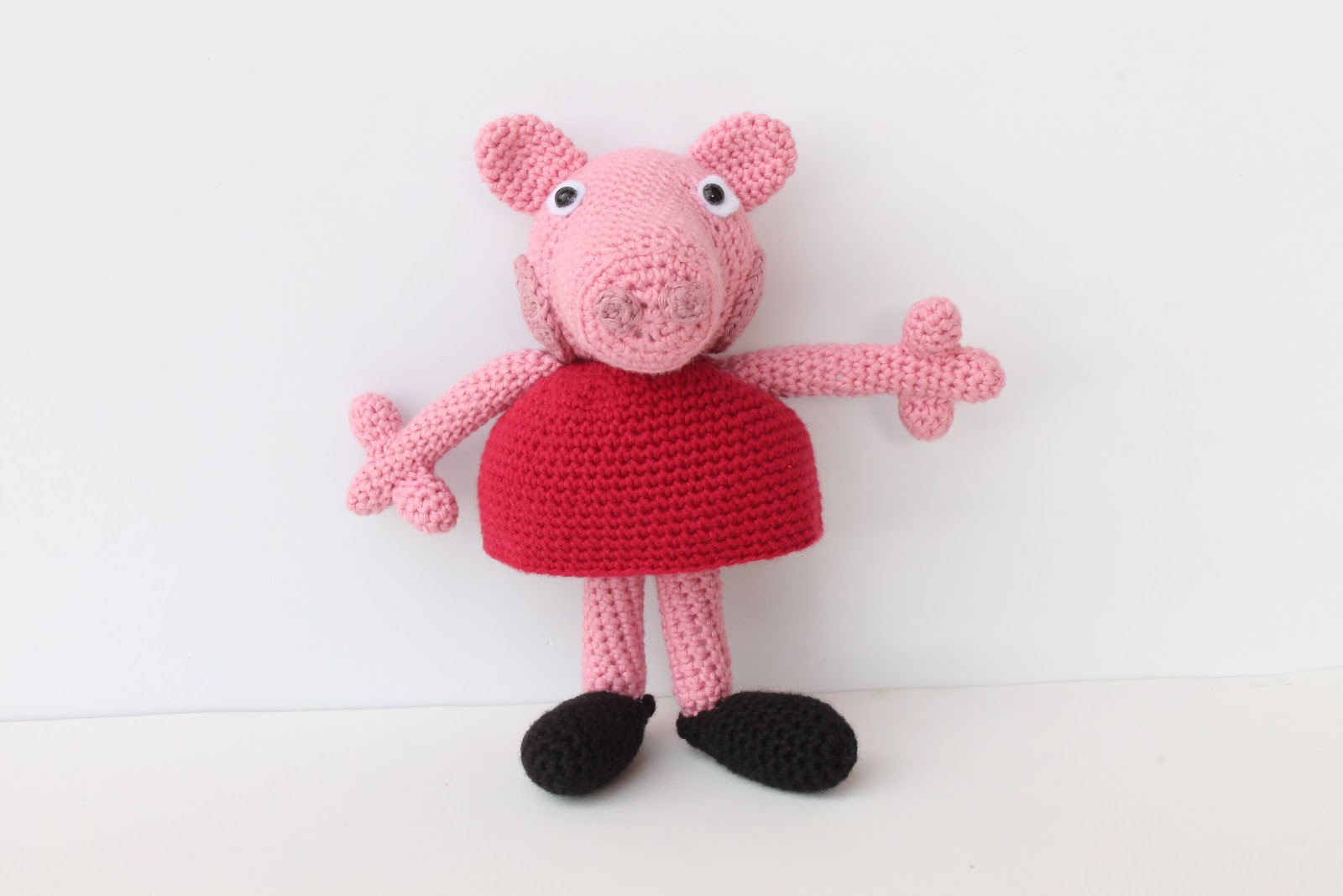Peppa pig, pigs, George, Mr. Dinosaur, crochet toys, Свинка Пеппа ...   1067x1600