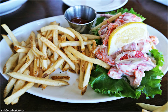 CK Pearl de Essex: Lobster Roll