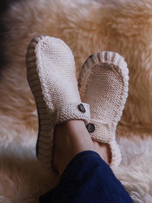All Seasons Slippers - Knitting Pattern