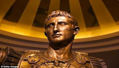 Ternyata Kepala Julius Caesar Memiliki Benjolan Aneh